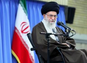 میگویند ایران در خلیجفارس رزمایش نداشته باشد؛ چه غلط ها!/ زبان علم فقط انگلیسی نیست