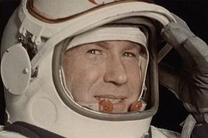نخستین فردی که در فضا قدم زد، درگذشت
